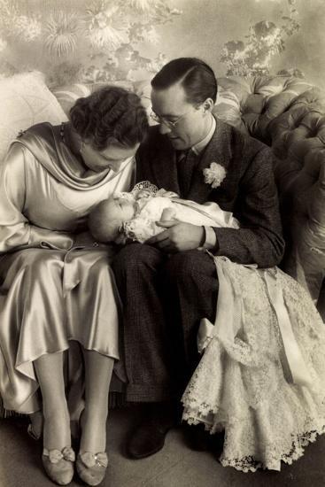 Prinzessin Juliana, Prinz Bernhard, Beatrix--Giclee Print
