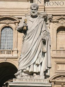 The Apostle Saint Peter Holding the Keys, Square of Sant Peter, City of the Vatican by Prisma Archivo