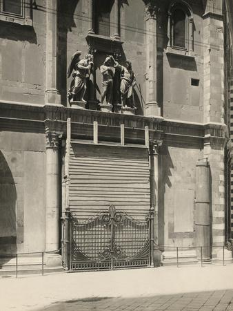 Protecting the Gates of Paradise of the Baptistery During the First World War, Florence-Giuseppe Giani-Photographic Print