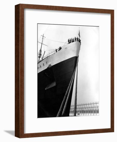 Prow of the Queen Mary-H. Armstrong Roberts-Framed Photographic Print