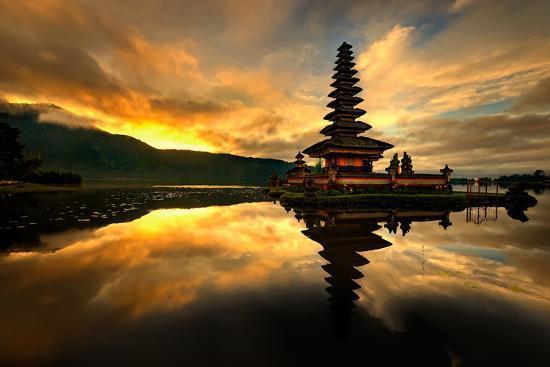 Pura Ulun Danu Bratan Water Temple-toonman-Photographic Print