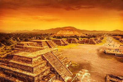 https://imgc.artprintimages.com/img/print/pyramids-of-the-sun-and-moon-on-the-avenue-of-the-dead-teotihuacan-ancient-historic-cultural-city_u-l-q1041600.jpg?p=0