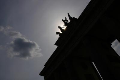 Quadriga by Johann Gottfried Schadow (1764-1850). Backlight. Brandenburg Gate. Berlin