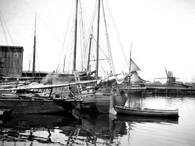 Quebec Harbor, Canada-Edward Hungerford-Photographic Print