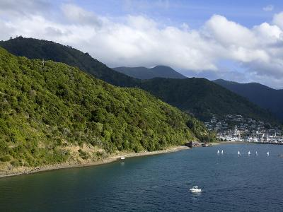 Queen Charlotte Sound, Picton, South Island, New Zealand, Pacific-Richard Cummins-Photographic Print