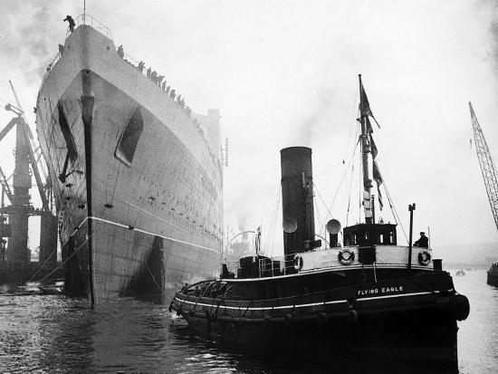 Queen Elizabeth Launch on River Clyde, 1938--Photographic Print