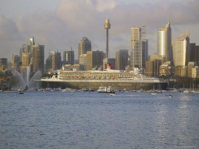 Queen Mary 2 on Maiden Voyage Arriving in Sydney Harbour, New South Wales, Australia-Mark Mawson-Photographic Print