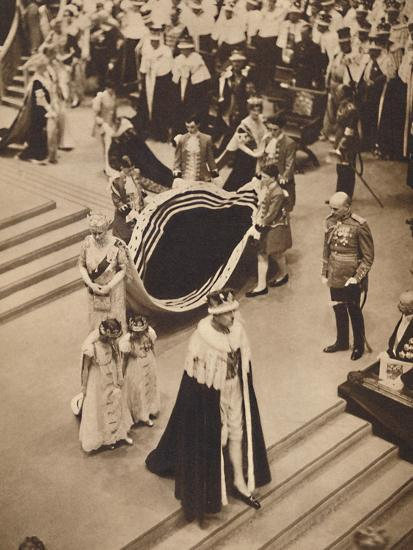 'Queen Mary Leaves', May 12 1937-Unknown-Photographic Print