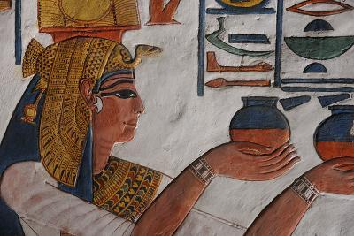 Queen Nefertari Making an Offering to Isis-Kenneth Garrett-Photographic Print