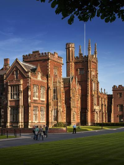 Queen's University, Belfast, Northern Ireland-Chris Hill-Photographic Print