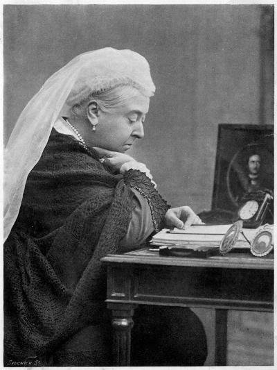 Queen Victoria--Photographic Print