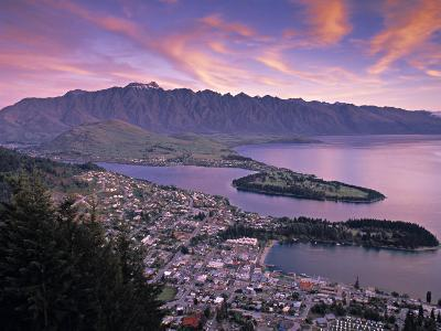 Queenstown, Lake Whakatipu, New Zealand-Doug Pearson-Photographic Print