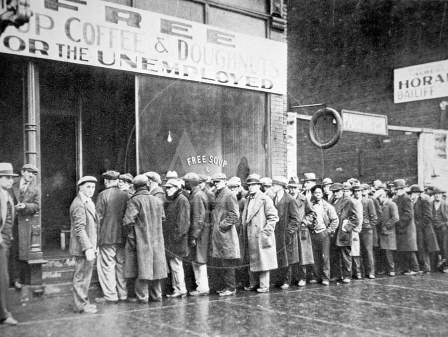 Queue for a Soup Kitchen for the Unemployed in Chicago, C.1933 ...
