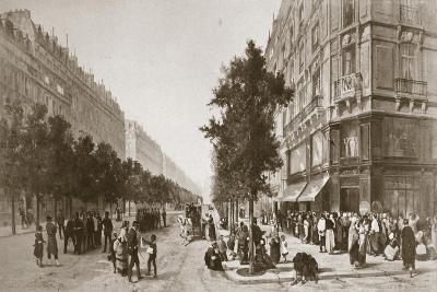 Queue Outside a Grocer's Shop, Siege of Paris, Franco-Prussian War, 1870-1871--Giclee Print