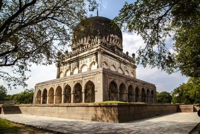 https://imgc.artprintimages.com/img/print/qutab-sahi-heritage-park-hyderabad-andra-pradesh-india-asia_u-l-q12qpez0.jpg?p=0