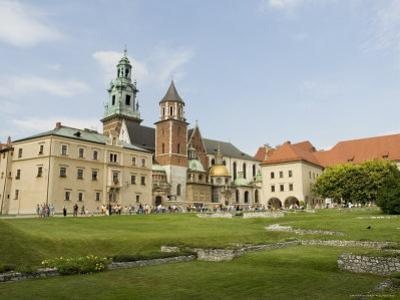 Wawel Cathedral, Royal Castle Area, Krakow (Cracow), Unesco World Heritage Site, Poland by R H Productions