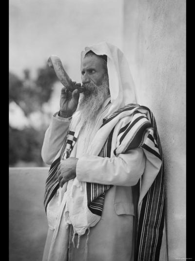 Rabbi Blowing the Shofar--Photo