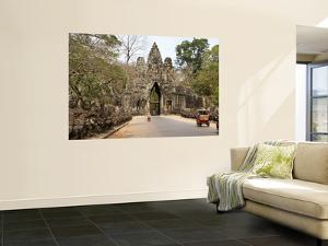 Victory Gate, One of Five Monumental 20M Gates in the Fortified City of Angkor Thom by Rachel Lewis