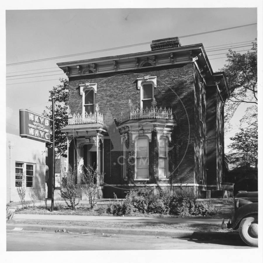Radio Station Wkyb Housed In A Victorian Brick Building And Owned By Edwin J Paxton Son Photographic Print Walker Evans