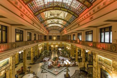 https://imgc.artprintimages.com/img/print/radisson-lackawanna-station-hotel-lobby-once-the-waiting-room-of-the-railroad-station-in-scranton_u-l-pw52ng0.jpg?p=0