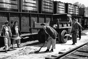 Railroad Women: Shavel Ballast