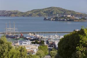 Alcatraz, Hyde Street Pier, San Francisco, California, Usa by Rainer Mirau
