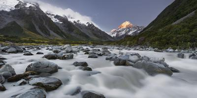 Aoraki, Hooker River, Mount Cook National Park, Canterbury, South Island, New Zealand by Rainer Mirau