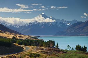 Lake Pukaki, Aoraki, Mount Cook National Park, Canterbury, South Island, New Zealand by Rainer Mirau