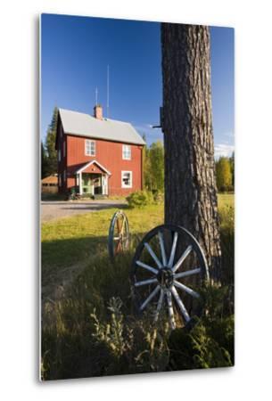 Sweden, Lapland, Framehouse, Car-Wheels, Log, Nature