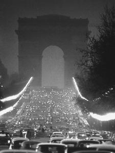 Evening Traffic on the Champs Elysees by Ralph Crane