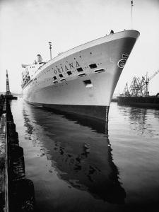 SS Oriana New Ship Passenger Liner Maiden Voyage in Pacific Ocean by Ralph Crane