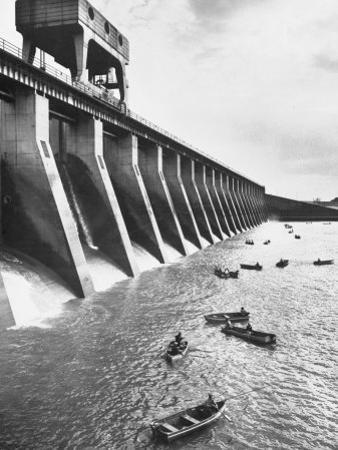 Tva Projects in the Kentucky Lake Dam by Ralph Crane