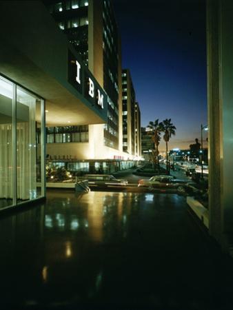 Wiltshire Boulevard at Night, Los Angeles, California, 1959