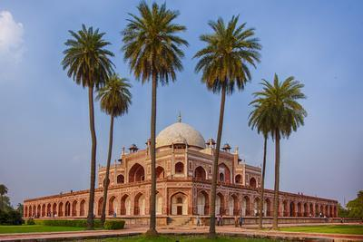 India. Exterior view of Humayun's Tomb in New Delhi.