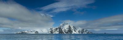 A Panoramic Stitch of Elephant Island, Antarctica from Five Images