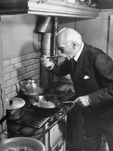 Gourmet E. Pomaine Cournosky, Tasting Food by Ralph Morse