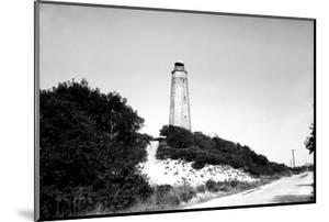 Cape Henry Lighthouse, Fort Story, Va by Ralph Smith