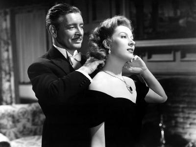 Random Harvest, Ronald Colman, Greer Garson, 1942, Fastening Necklace--Photo