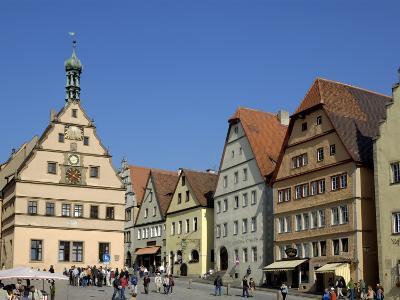 Ratstrinkstube and Town Houses, Marktplatz, Rothenburg Ob Der Tauber, Germany-Gary Cook-Photographic Print