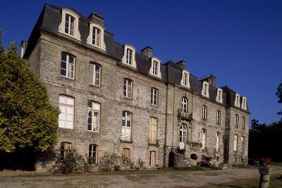 Rear Facade of Chateau De Tregranteur, Guegon, Brittany, France, 18th-19th Century--Giclee Print