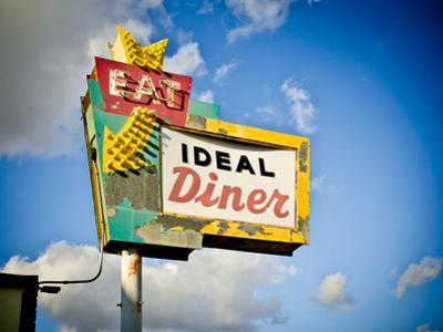 Vintage Diner I by Recapturist