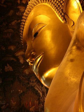 https://imgc.artprintimages.com/img/print/reclining-buddha-in-wat-po-temple-bangkok-thailand-southeast-asia_u-l-p9geku0.jpg?p=0
