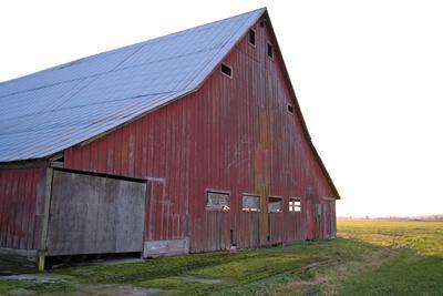 https://imgc.artprintimages.com/img/print/red-barn-at-sunset_u-l-q10py220.jpg?p=0