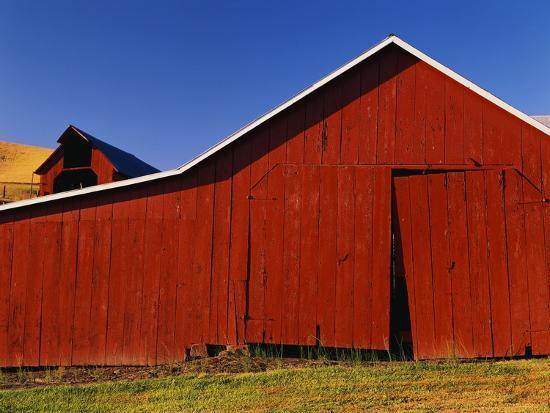 Red Barns-Stuart Westmorland-Photographic Print