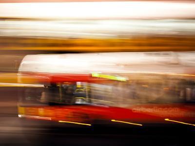 Red Bus-Felipe Rodriguez-Photographic Print