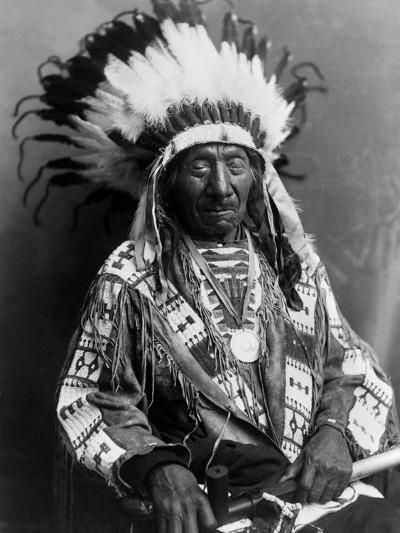 Red Cloud (1822-1909)--Photographic Print