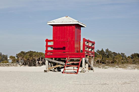 red-lifeguard-tower-sandybeach