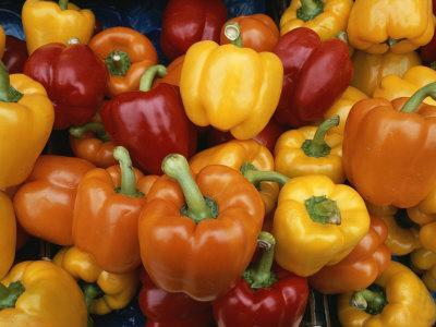 https://imgc.artprintimages.com/img/print/red-orange-and-yellow-bell-peppers-on-display-in-a-venice-market_u-l-p3rufe0.jpg?p=0