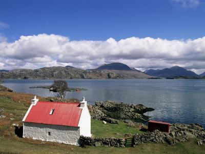 https://imgc.artprintimages.com/img/print/red-roofed-cottage-loch-torridon-wester-ross-highlands-scotland-united-kingdom_u-l-p1ezv40.jpg?p=0