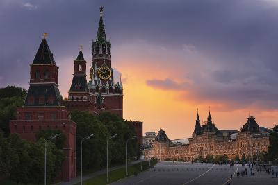 Red Square at Dusk.-Jon Hicks-Photographic Print